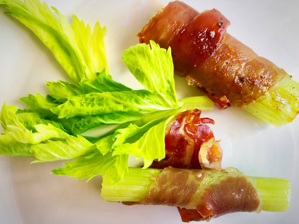 easy keto recipe for celery wrapped in prosciutto